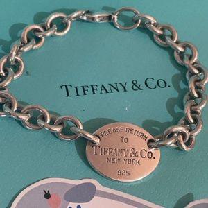 Tiffany & Co oval RTT bracelet